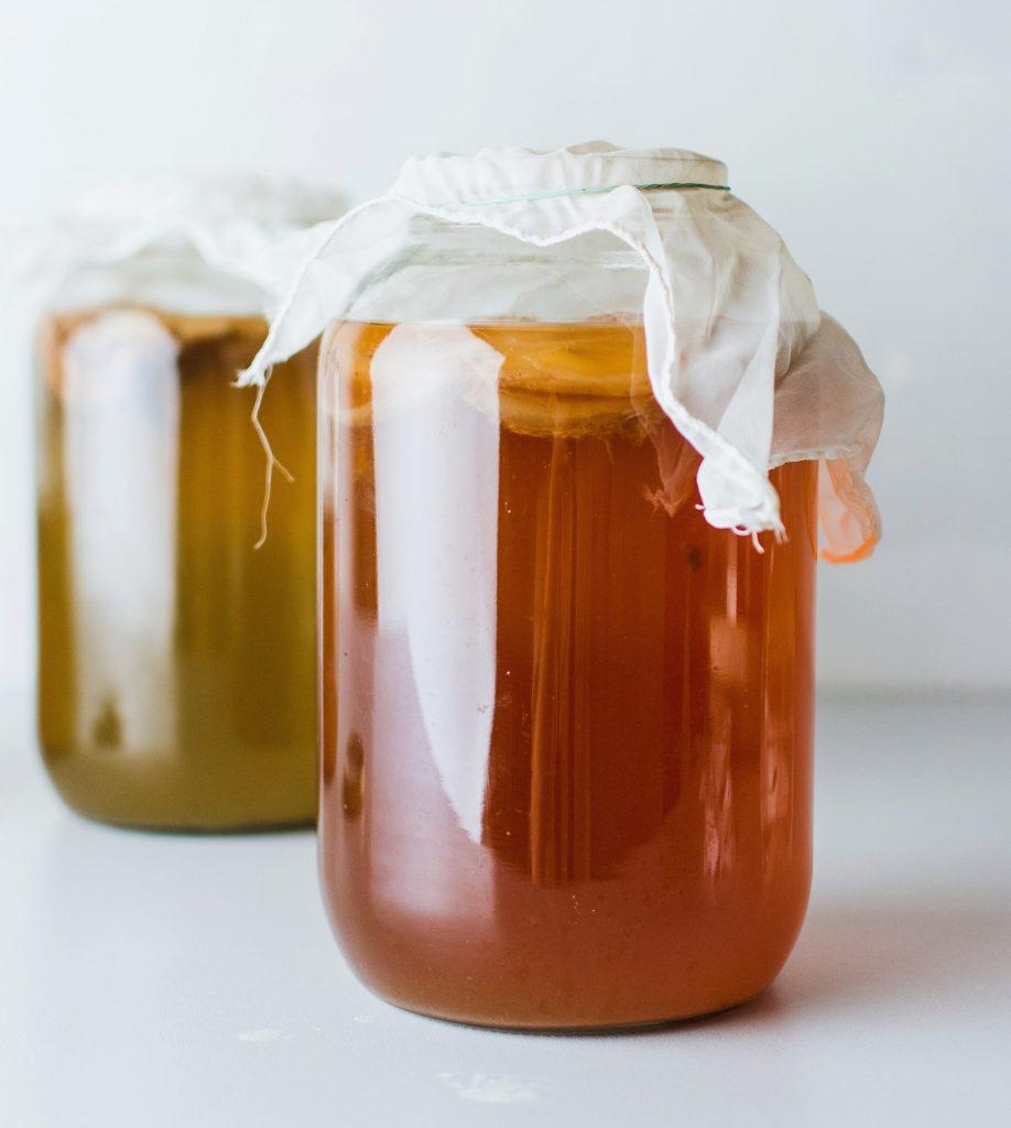Image of kombucha. Fermented foods during pregnancy. Prenatal Nutritionist.